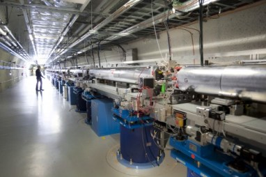The Linac Coherent Light Source Undulator Hall in Menlo Park (CA). (Credit: SLAC)