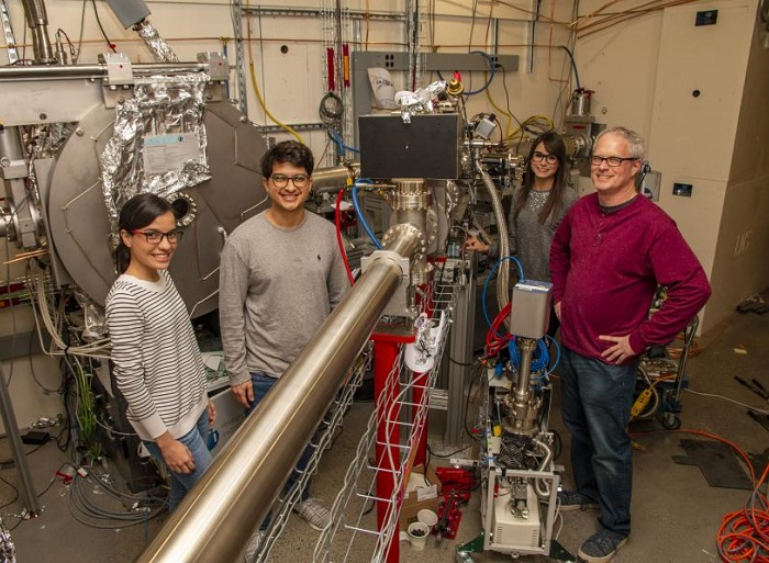 PREM students outfitting and upgrading CHESS x-ray beamlines