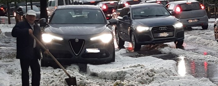 Maxi hailstorm in Bergamasca - Photos In Val Seriana chaos on the roads - Video