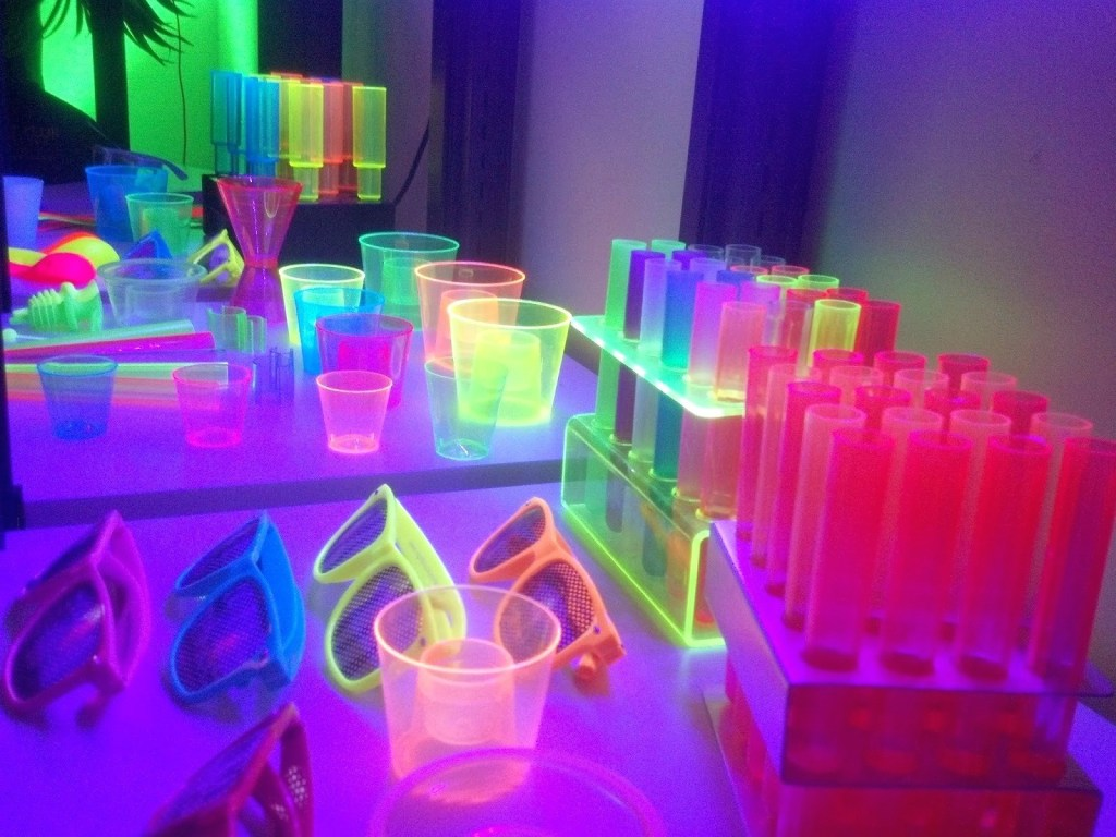 Glow-In-The-Dark-Party-Decorations