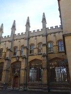 4-The Divinity School exterior