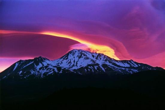 Sunrise_on_Mount_Shasta