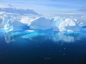 南極の古代遺物 by プレアデスグループ