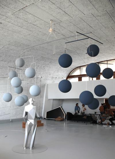 Le Mobile (Le Corbusier), 2013 - Artiste Xavier Veilhan - Architectones, Unité d'habitation, Cité Radieuse, MAMO, Marseille, France - Photo Vincent Laganier