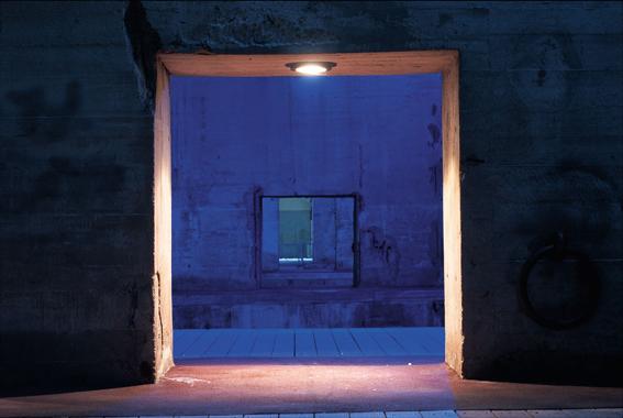 « Nuit des Docks » – Yann Kersalé, AIK – Base sous-marine, Saint-Nazaire, France (1991)