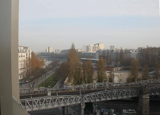 Façade Est, vue sur le canal de l'Ourcq, logements sociaux, Paris, France - Fresh architectes - Photo Vincent Laganier