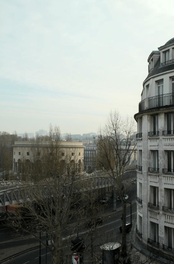 Façade Est, vue sur la rotonde Ledoux, logements sociaux, Paris, France - Fresh architectes - Photo Vincent Laganier