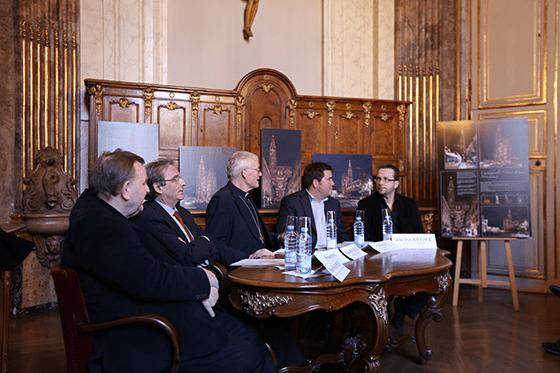 Cathedrale-Notre-Dame-Strasbourg-France-Conférence-de-presse-Acte-Lumiere