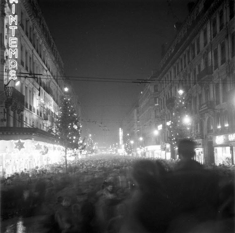 La foule, rue de la République, Lyon, 1956 - Archives Le Progrès