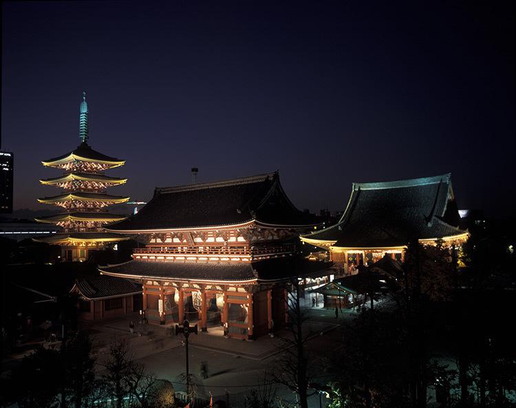 Asakusa-Senso-ji,-Tokyo,-Japon-©-Motoko-Ishii-Lighting-Design-