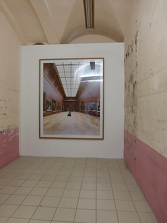Candida Hoffer, Cologne, Allemagne – Musée du Louvre Paris XVI, salle Mollien, Romantisme, 2015 © La disparition des Lucioles, 2014 – Photo : Vincent Laganier