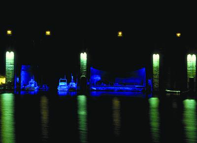 3-Nuit des Docks, Saint-Nazaire - Architecte de la deuxième guerre mondiale - Plasticien Yann Kersalé - Photo Vincent Laganier