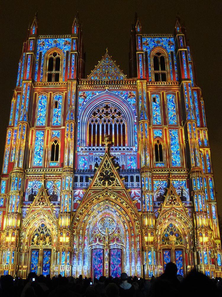 12 Son et lumiere - Illumi Nantes - Facade de la Cathedrale - Peinture Yann Thomas - Images Spectaculaires © Vincent Laganier