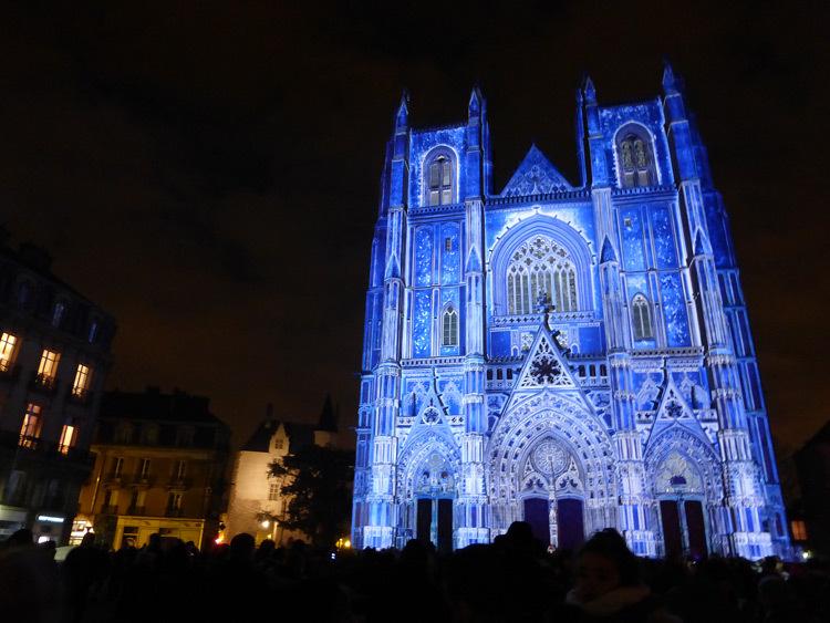 18 Son et lumiere - Illumi Nantes - Facade de la Cathedrale - Peinture Yann Thomas - Images Spectaculaires © Vincent Laganier