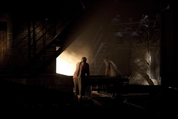 Die Passengerin de Mieczyslaw Weinberg, Bregenz Festspielhaus - Mise en scène : David Poutney - Créateur lumière et photo : Fabrice Kebour