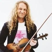 I Birkin Tree e il violinista Tola Custy portano l'Irlanda alla Claque di Genova