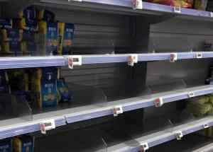 scaffali vuoti supermercati