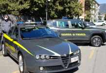 guardia di Finanza mascherina