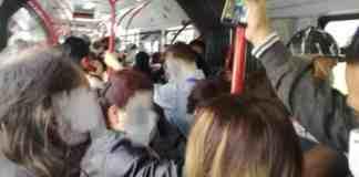 autobus affollati
