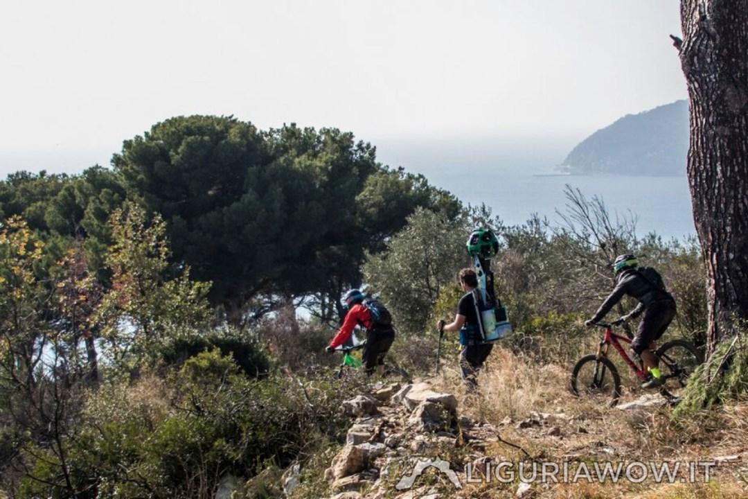 MTB e Google Trekker tra i pini e gli olivi