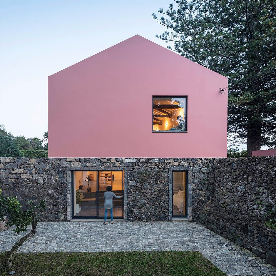 Azoren_Pink_House_Architektur_10