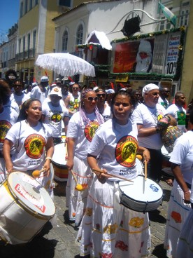 Olodum's processional honoring their director