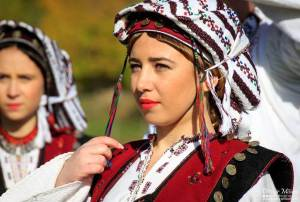 Croatian Folk Costume, Rama