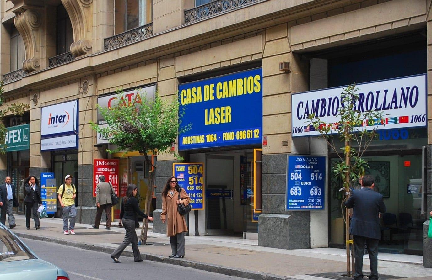 Trocar dinheiro no Chile: dicas práticas para economizar