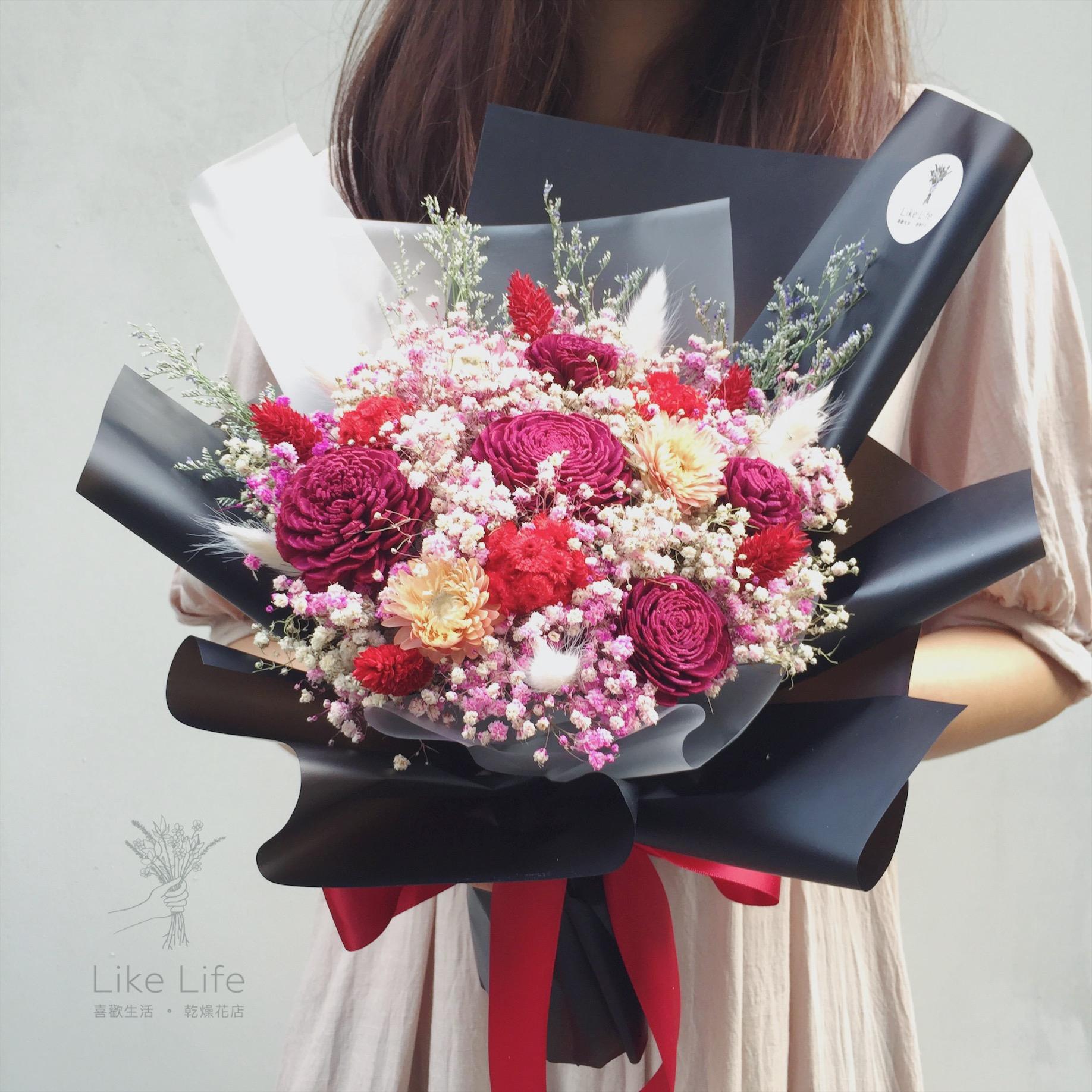 韓式包裝中型花束黑紅手拿