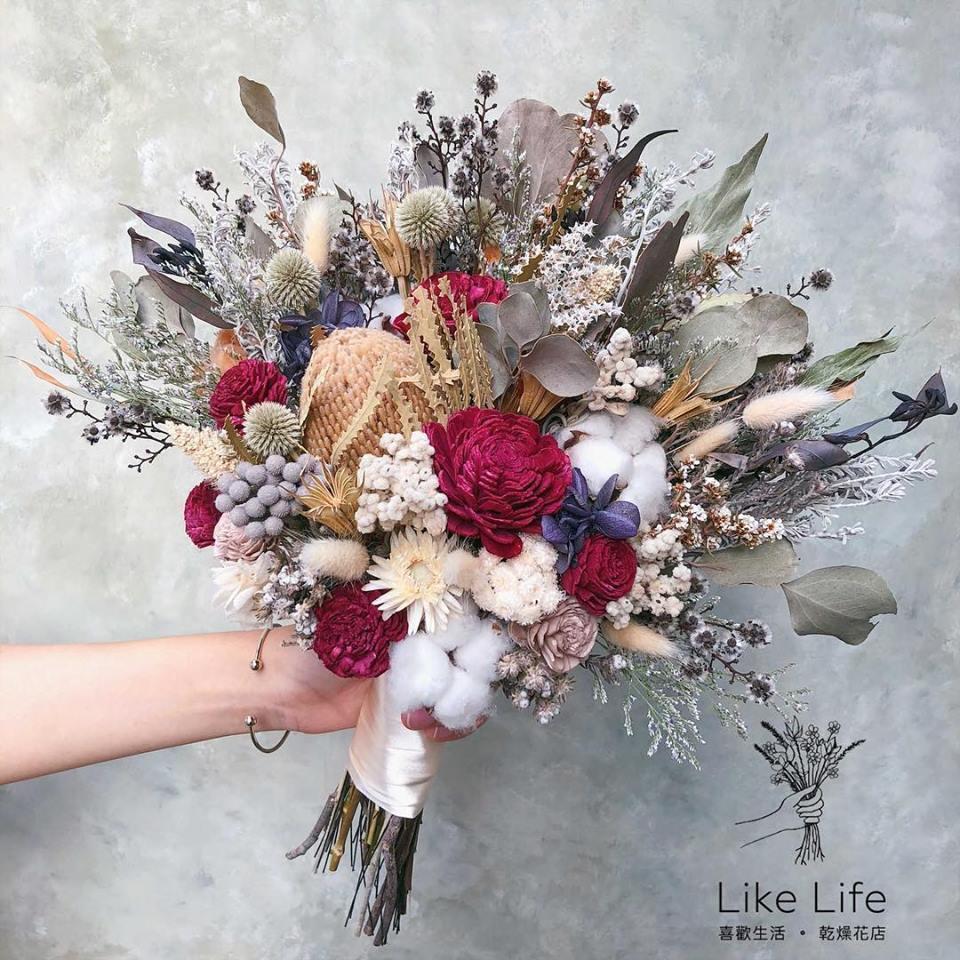 韓式扇型手綁乾燥捧花-自然紅