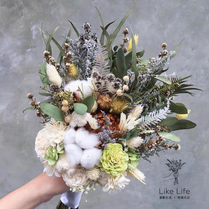 韓式長型手綁乾燥捧花-白綠配色
