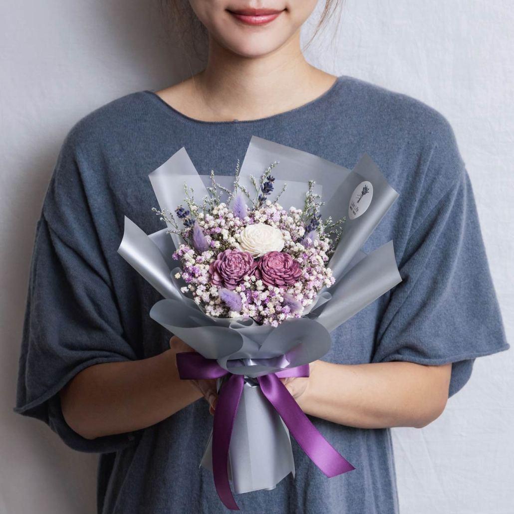 紫色玫瑰乾燥花束手拿照片,台北喜歡生活乾燥花店,紫色乾燥花