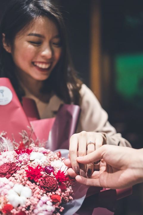 求婚花束推薦,求婚乾燥花束女人