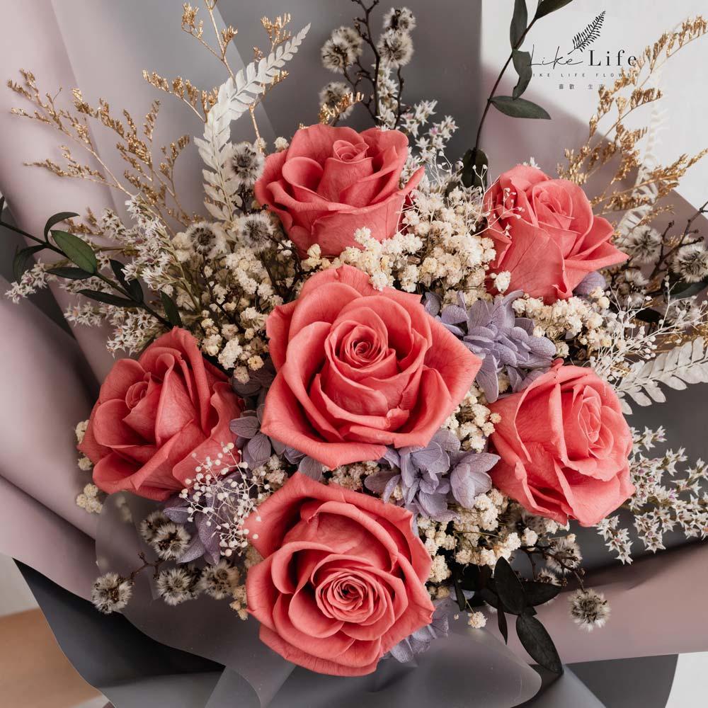永生花束粉色特寫,永生玫瑰花粉色系特寫,台北喜歡生活乾燥花店