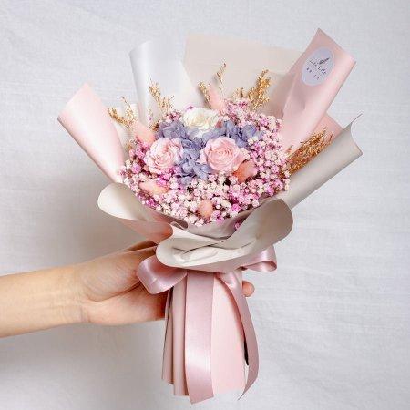 永生花束粉色,情人節永生玫瑰花束粉色封面,粉色永生花束,滿天星花束,台北喜歡生活乾燥花店