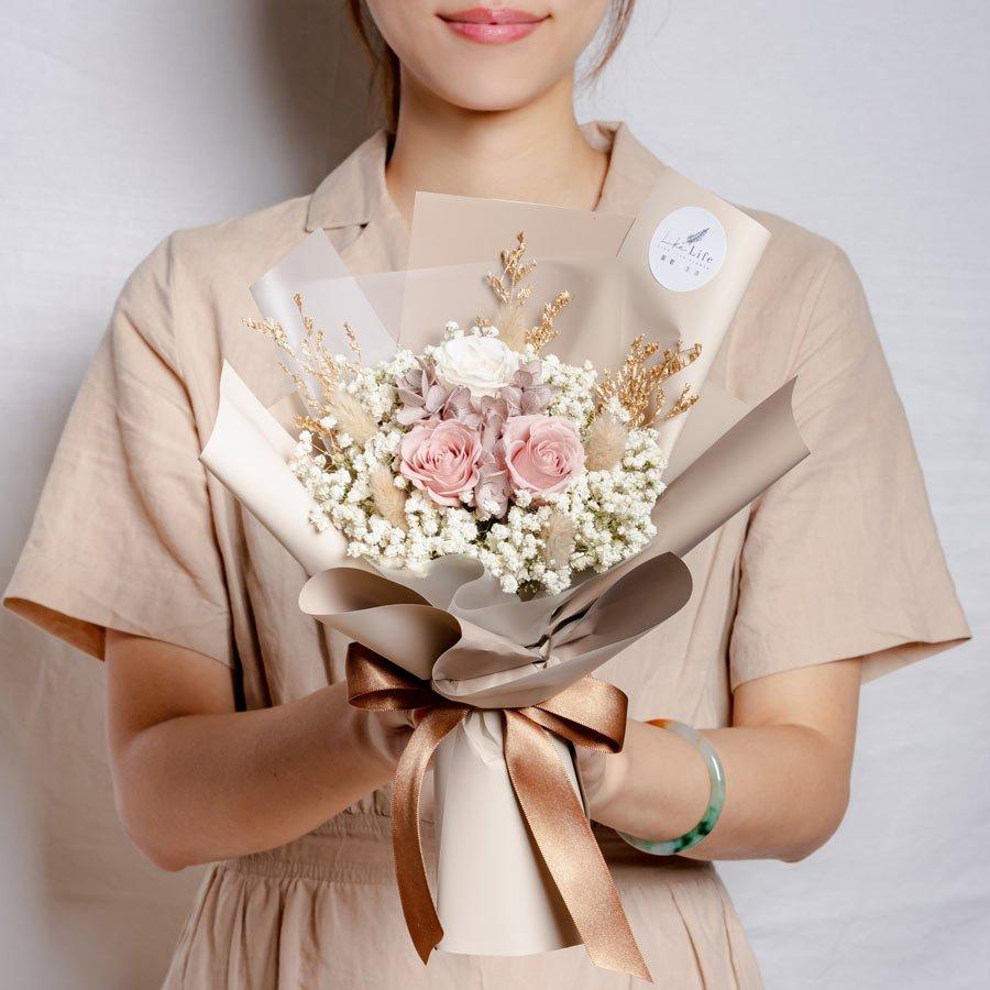 永生花束裸色,情人節永生花束裸色系永生玫瑰花,永生花束奶茶色,台北永生花束