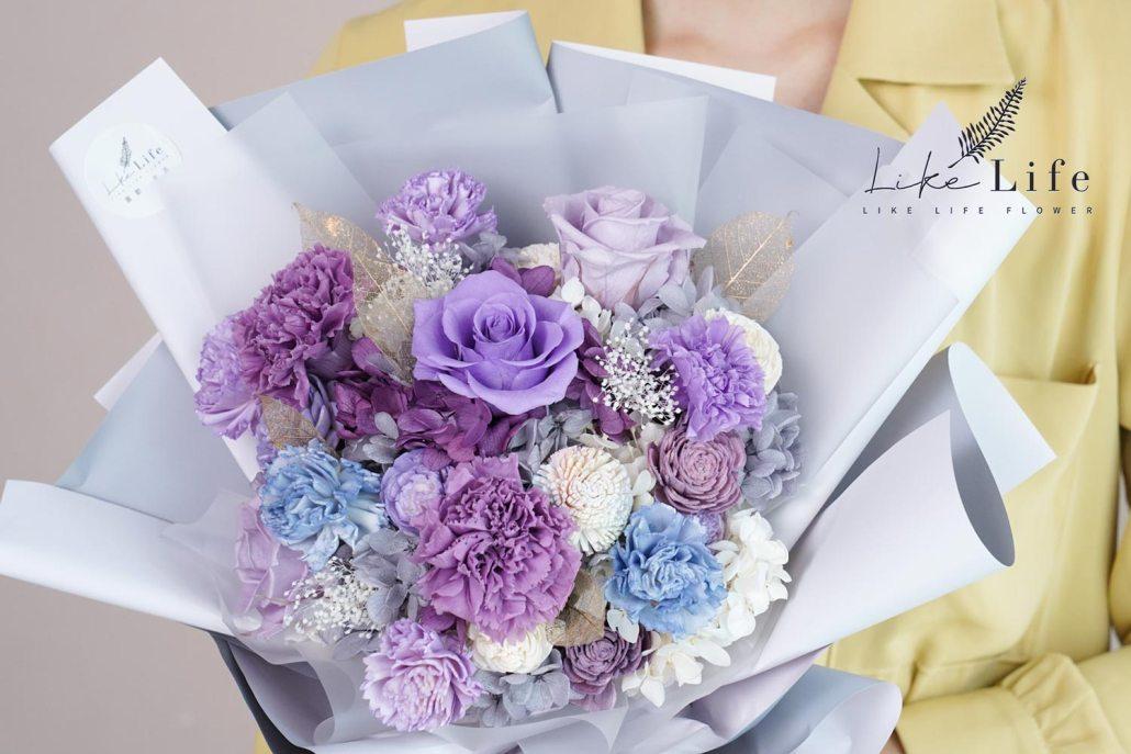 母親節康乃馨花束紫色康乃馨花束特寫