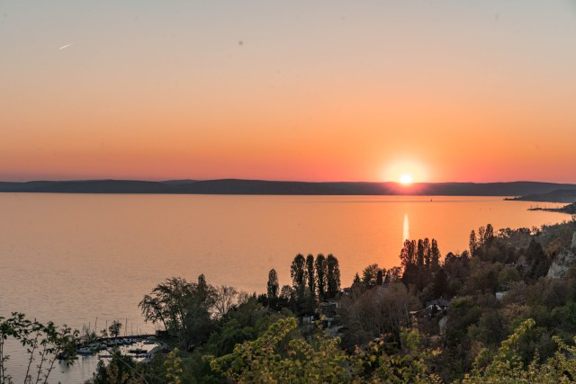 BalatonSunset2.jpg