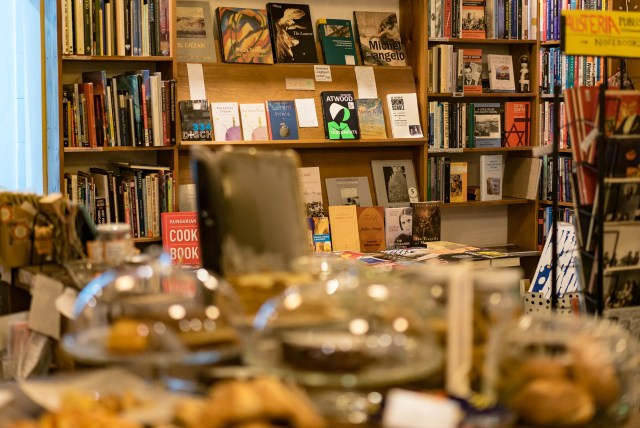 books and cakes in Budapest 7th district cafe