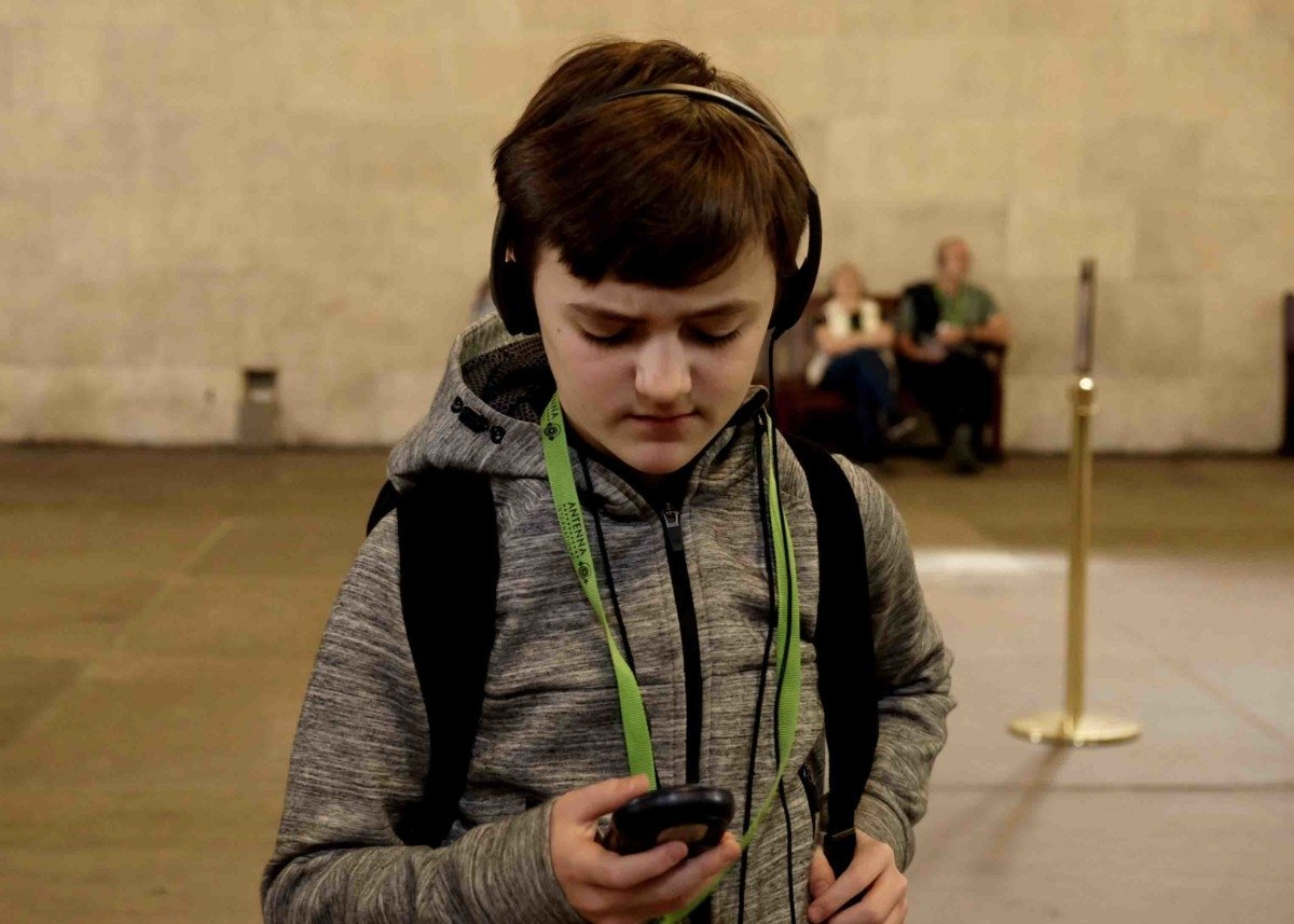 Audio tour headphones for kids The Palace of Westminster and Parliment Tour