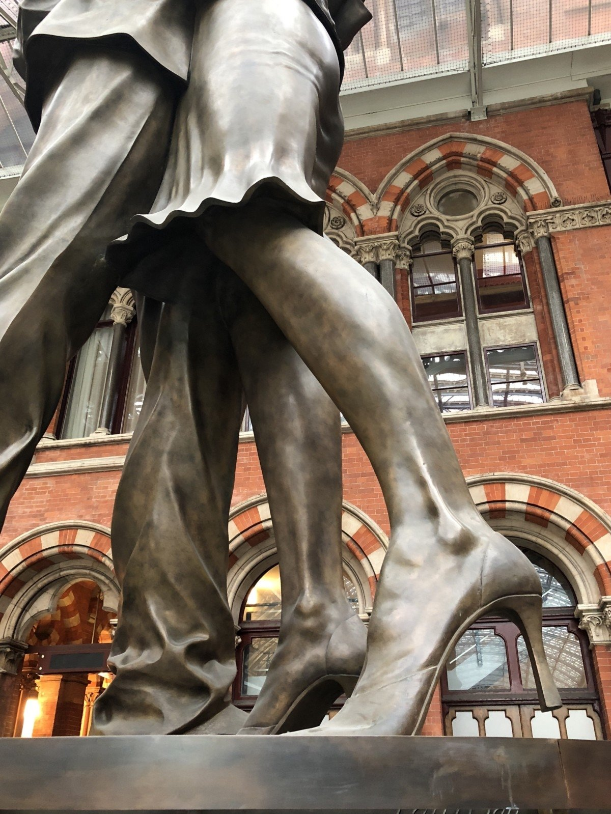 """""""the Lovers"""" The Meeting place statue at Charing Cross"""