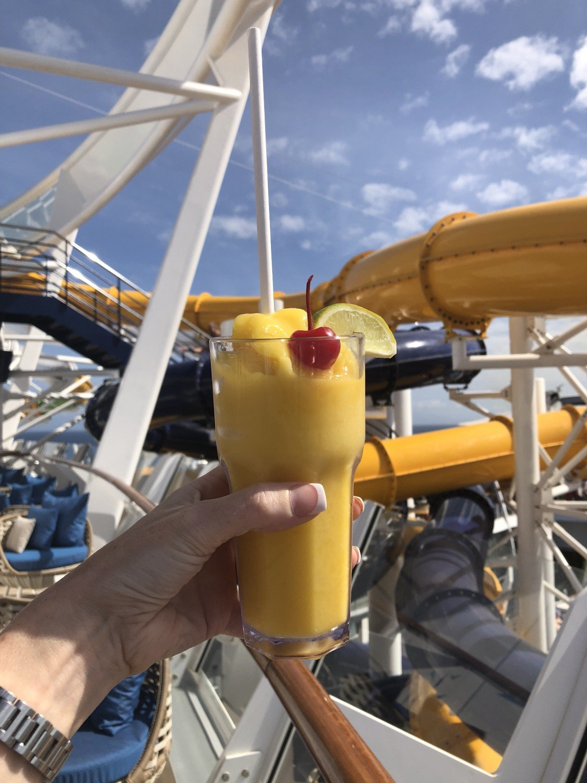 Cocktails on Symphony of the Seas pool drinks