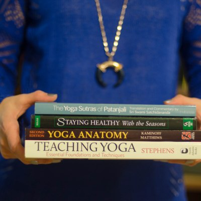 yoga teacher training books
