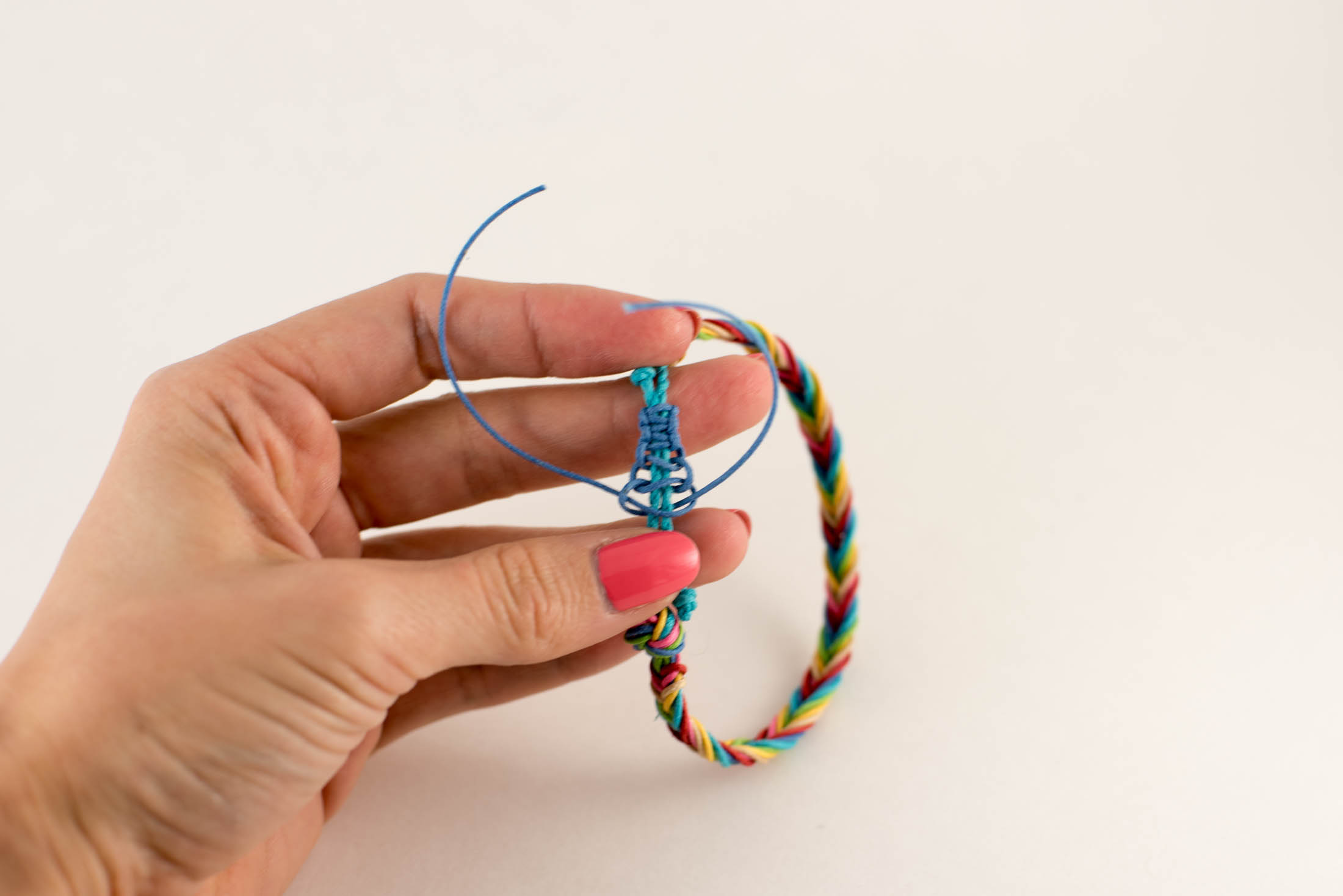 how to tie macrame knot