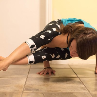 Eight Angle Pose + Fabletics Review