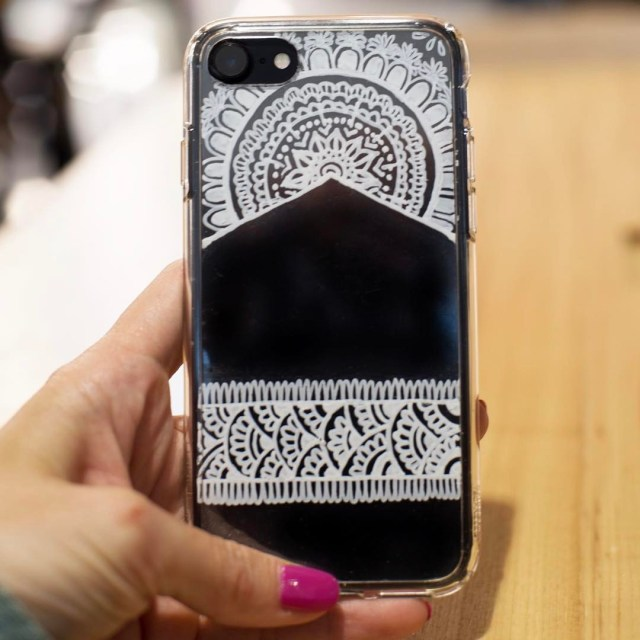 Drawing like this is so relaxing! DIY white henna phonehellip