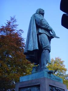 John Bunyan Statue