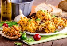 kolkata street food pakodi