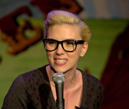 scarlett-johansson-hairstyle-and-glasses