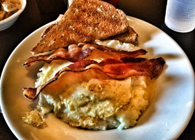 Bacon, Egg & Cheese Grits Bowl